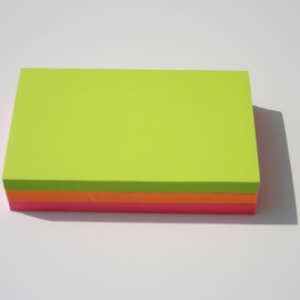 Lot de 3 blocs Post-it 127x76mm (1 rose + 1 orange + 1 vert)