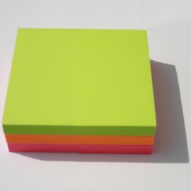 Lot de 3 blocs Post-it 76x76mm (1 rose + 1 orange + 1 vert)